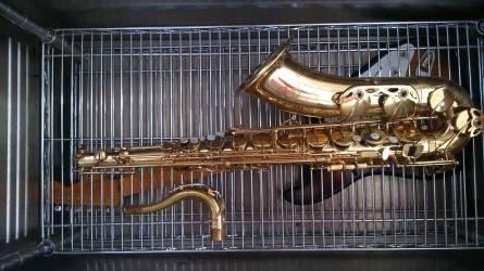 Behandlung von Musikinstrumenten mit Tieftemperatur - Saxophon